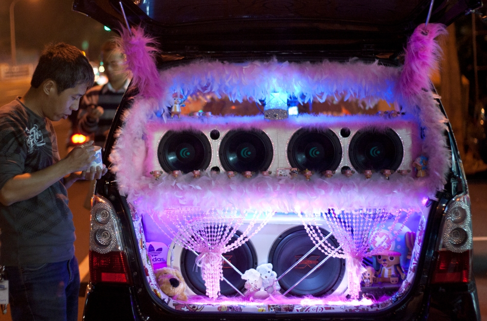 Taiwan Puff Car - with Tail Gate Open Showing Sound System
