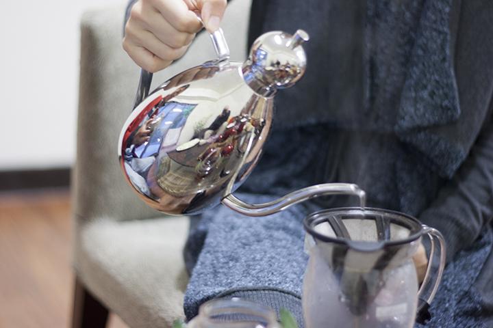 Tea Pot Reflections