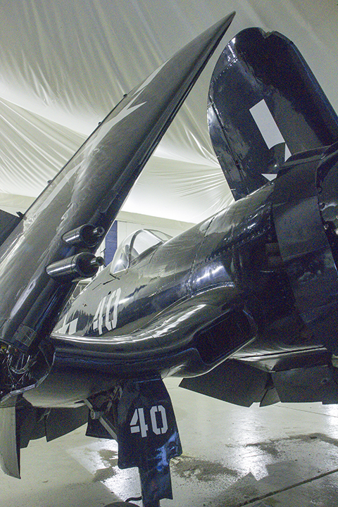 F4U-7 Corsair-wing folded_4515