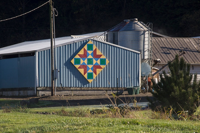 Hex signs on barn