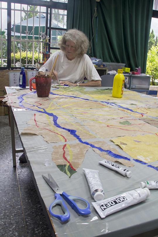Jane working on Tung Chou site map2