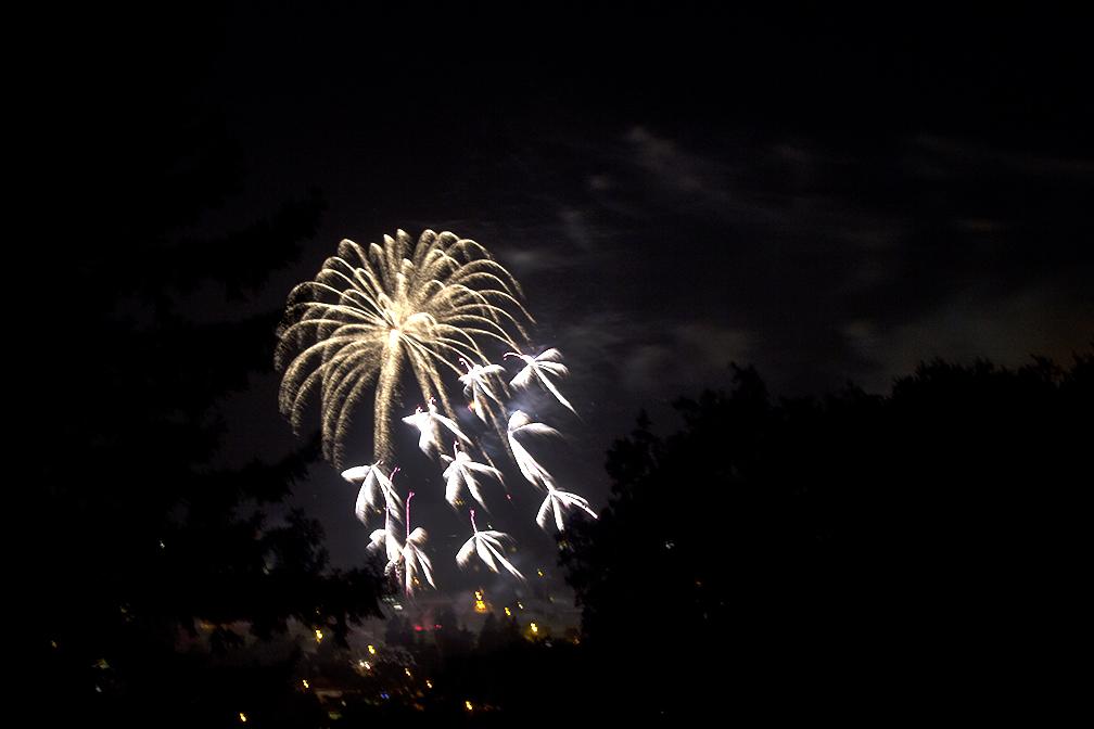 angels-fireworks