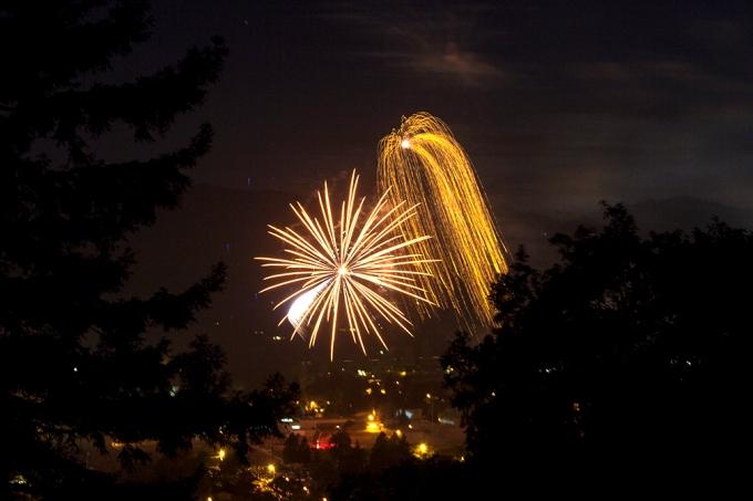 golden fall fireworks