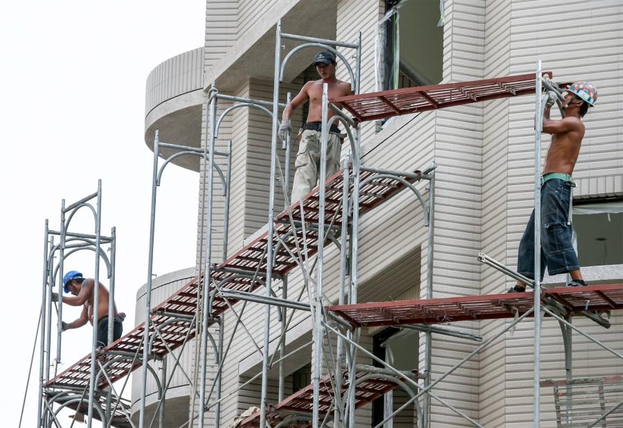 Installing scaffolding