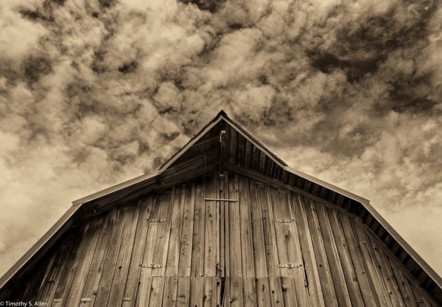 Artist's Barn July 12, 2015 Hwy 101 near Pacific City, Oregon, USA