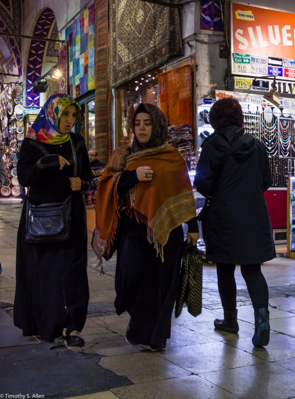 Shopping in the Grand Bazaar, Istanbul, Turkey - http://www.grandbazaaristanbul.org/Grand_Bazaar_Istanbul.html December 15, 2015