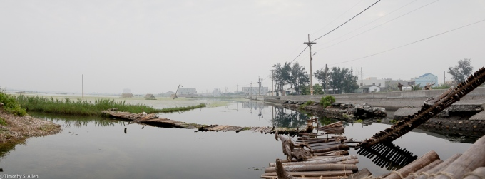 Chris Lee Sculpture in Progress - Cheng-Long Wetlands International Environmental Art Project - https://artproject4wetland.wordpress.com - Cheng Long, Yunlin County - Chris's Blog Site is http://dandelionself.wix.com/chris April 15, 2016