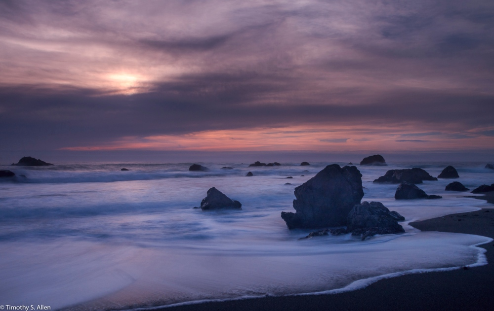 Long Exposure Using Neutral Density (ND) Filters Sonoma County Beaches, Sonoma County, CA, U.S.A. October 26, 2016