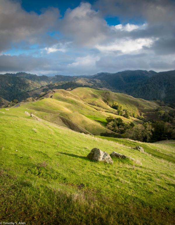 A northern view toward the northern entrance to Hood Mountain Regional Park, Santa Rosa, Sonoma County, CA, U.S.A. January 25, 2018