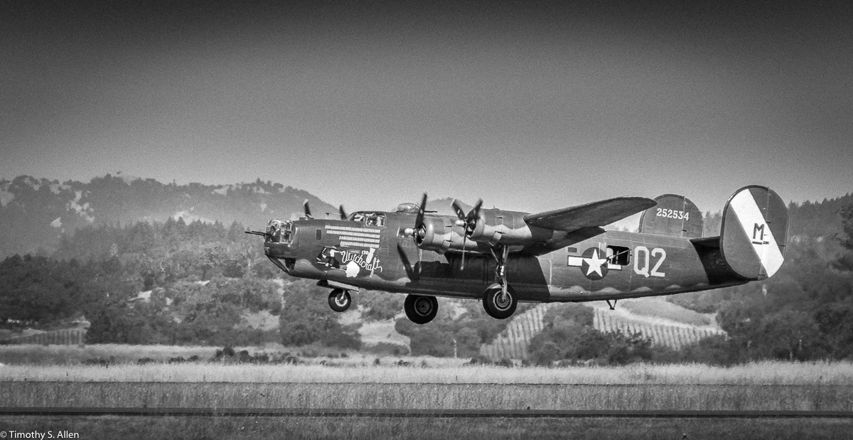 Taking off from Santa Rosa Airport. For more information on this aircraft https://www.airplanesofthepast.com/b24-liberator-witchcraft.htm Santa Rosa, California, U.S.A. June 4, 2018.